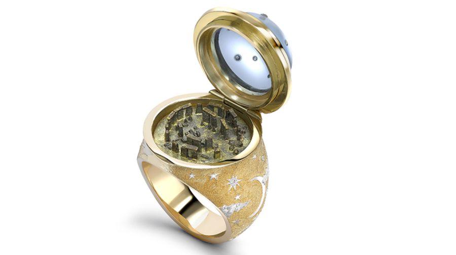 Gyémánt gyűrű Stonehenge miniatűrrel